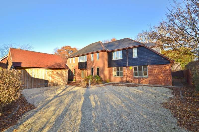4 Bedrooms Detached House for sale in Braishfield