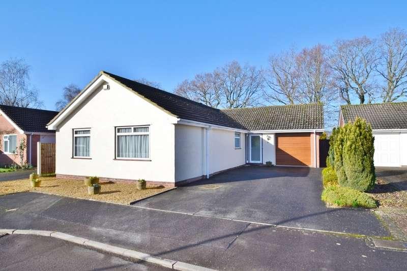 3 Bedrooms Detached Bungalow for sale in West Moors