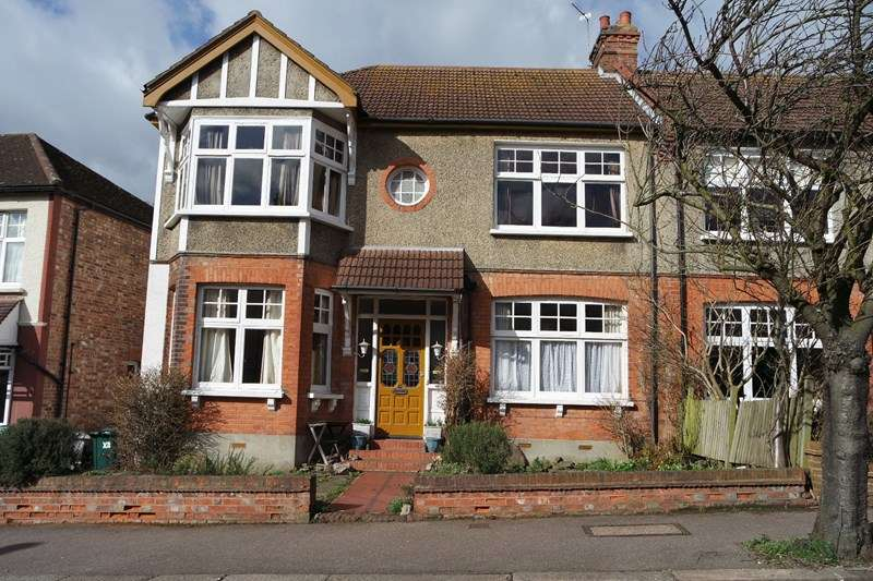Semi Detached House for sale in Fitzjohn Avenue, Barnet
