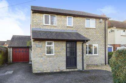 4 Bedrooms Detached House for sale in Gillingham, Dorset