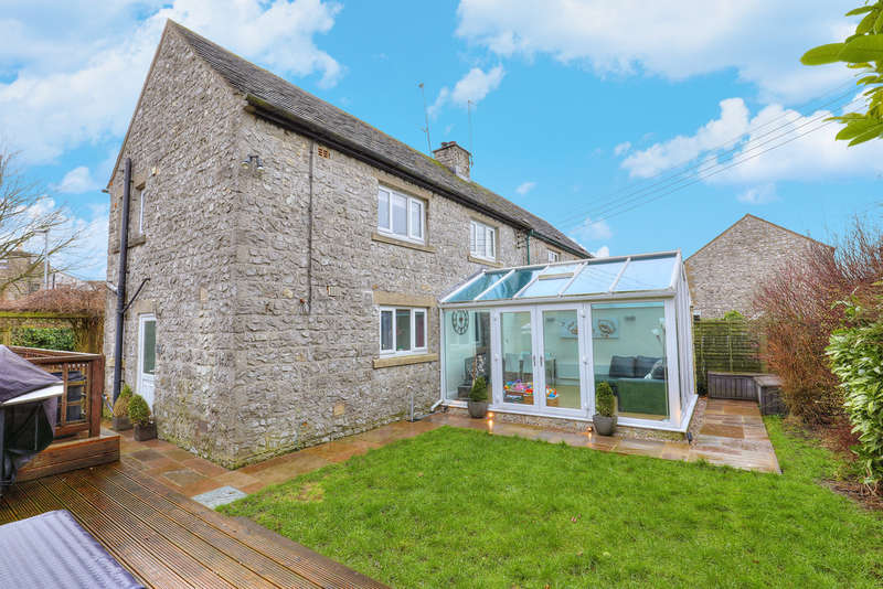 3 Bedrooms Semi Detached House for sale in Dale View, Litton, Buxton