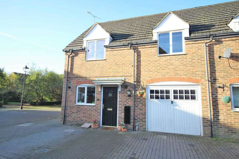3 Bedrooms Semi Detached House for sale in Dalwood Mews, Fairford Leys