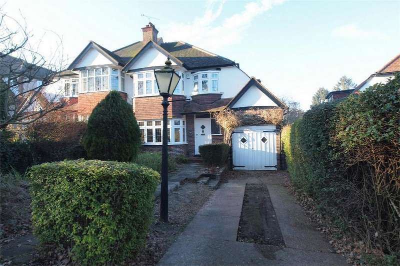 3 Bedrooms Semi Detached House for sale in Broadoaks Way, Bromley, Kent