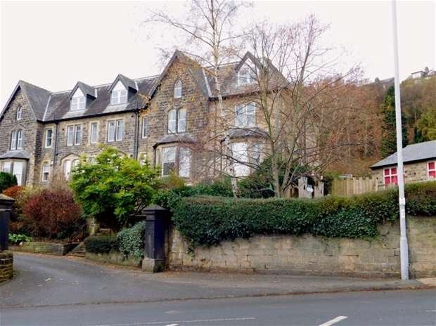 2 Bedrooms Penthouse Flat for sale in Thorncrest, Green Road, Baildon