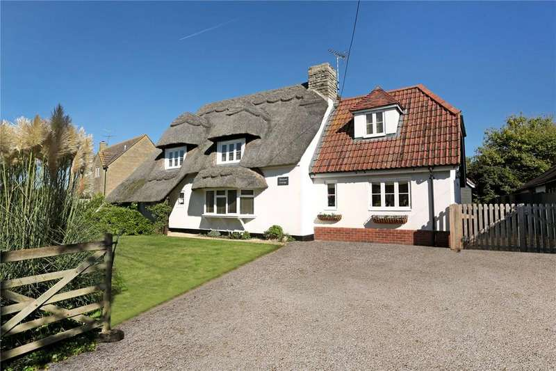 3 Bedrooms Detached House for sale in West End, Foxham, Wiltshire