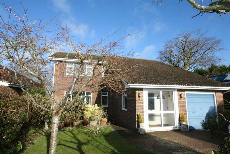 4 Bedrooms Detached House for sale in Squire Way, Henfield