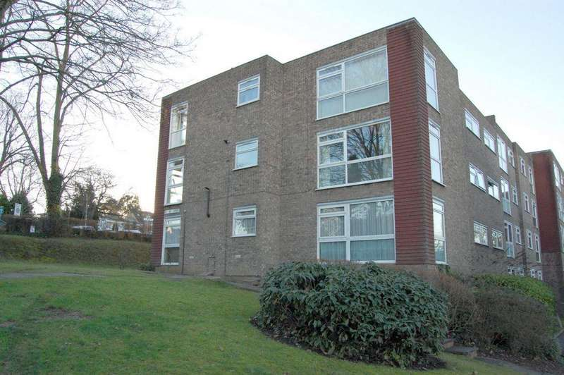 2 Bedrooms Apartment Flat for sale in Palmerston Road, Buckhurst Hill, IG9