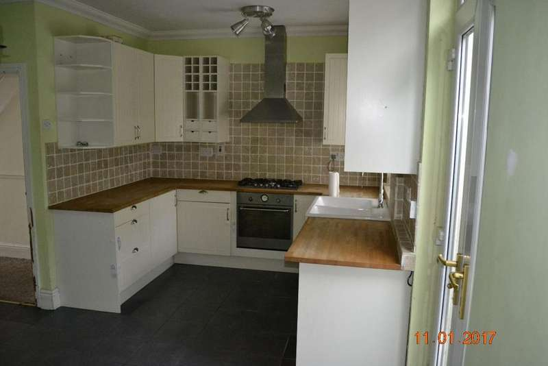 2 Bedrooms Terraced House for sale in Saxon Houses, Manor Road
