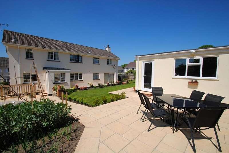 4 Bedrooms Detached House for sale in Rumsam Gardens, Barnstaple