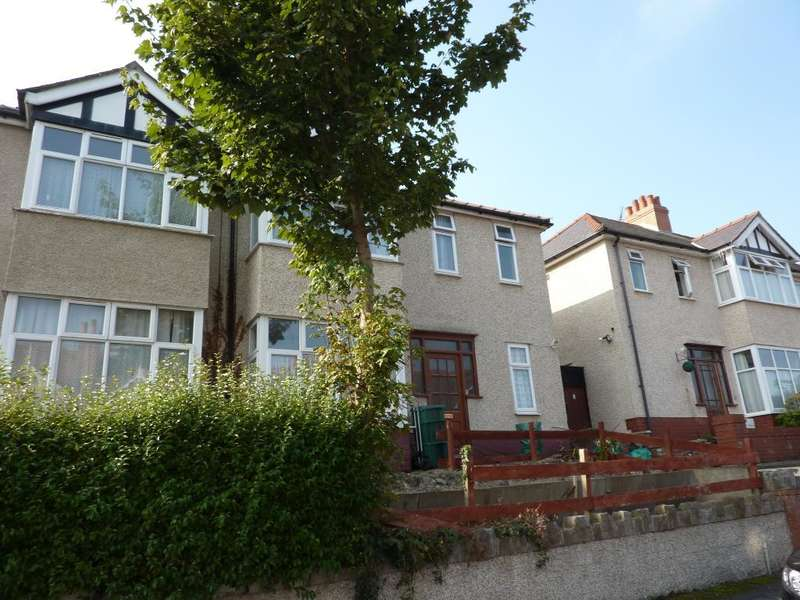 3 Bedrooms Semi Detached House for rent in Dundonald Road, Colwyn Bay, LL29 7RW