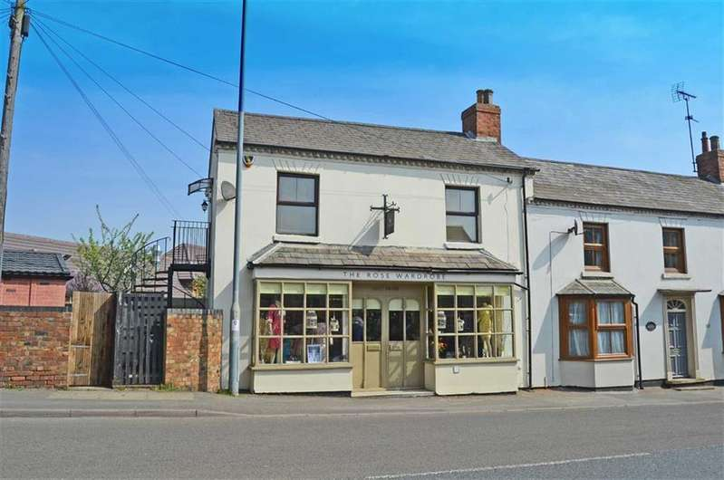 1 Bedroom Flat for sale in High Street, Weedon