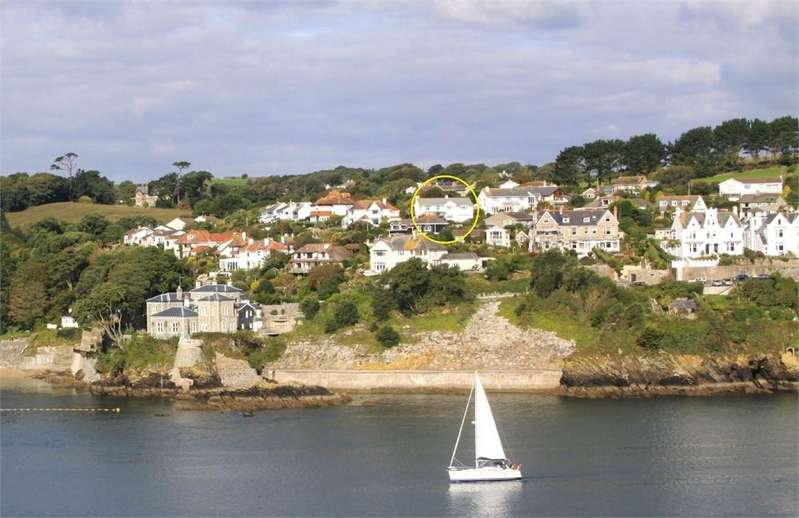 5 Bedrooms Detached House for sale in 1 Gallants Drive, FOWEY