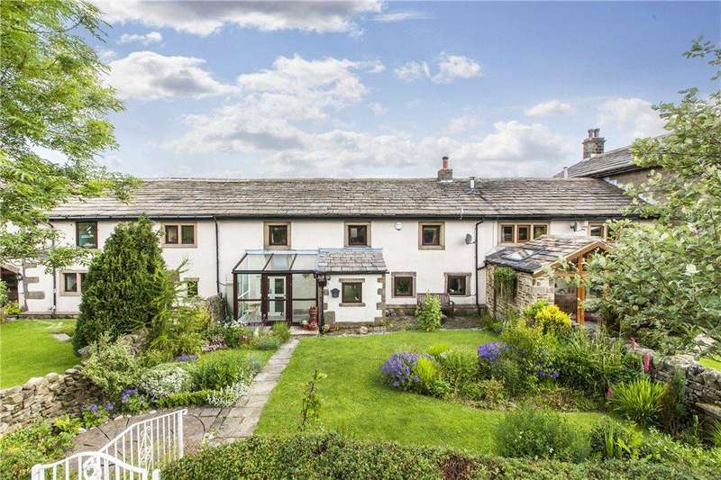 4 Bedrooms Unique Property for sale in Hill Top Farm Barn, Sutton-in-Craven, Keighley, North Yorkshire