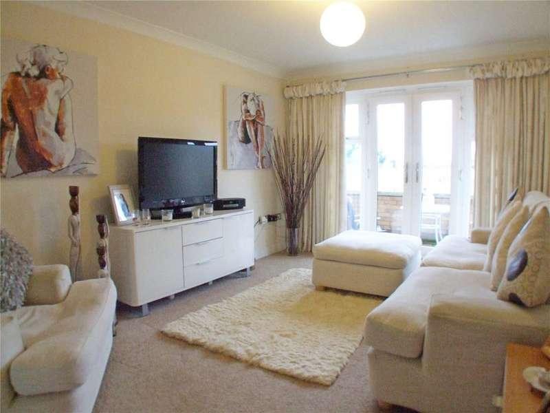 2 Bedrooms Flat for sale in The Moorings, Bridge Street, Deeping St. James, Peterborough, PE6