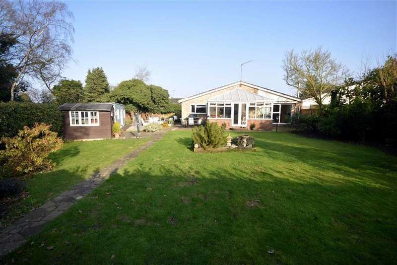 4 Bedrooms Bungalow for sale in Leigh Drive, Wickham Bishops, Essex