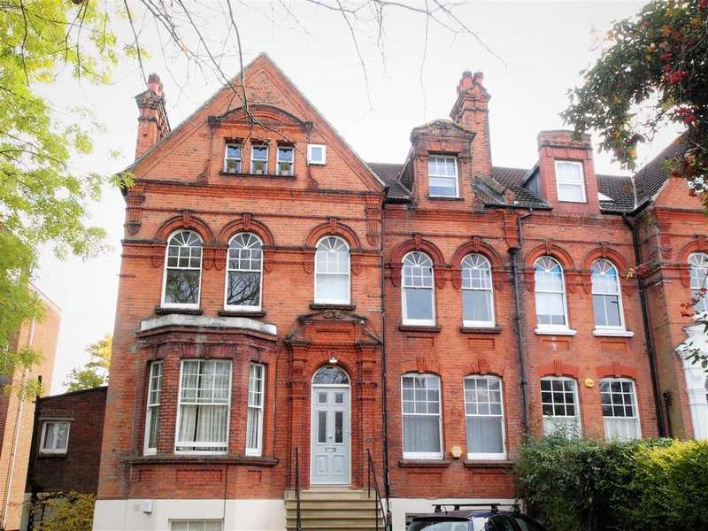 3 Bedrooms Flat for sale in Shortlands Road, Bromley