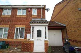 2 Bedrooms Terraced House for sale in Kelvin Gardens, Croydon
