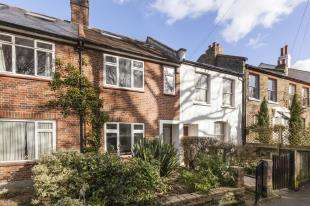 4 Bedrooms Terraced House for sale in Taylors Lane, Sydenham, London, .