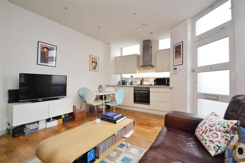 1 Bedroom Apartment Flat for sale in Revelstoke Road, Wimbledon Park