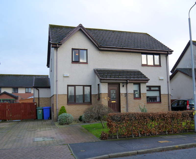 4 Bedrooms Semi Detached House for sale in Moor Park, Prestwick, KA9