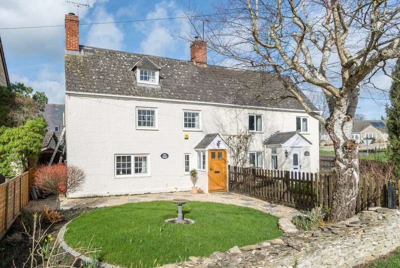 3 Bedrooms Cottage House for sale in Little Somerford, Malmesbury