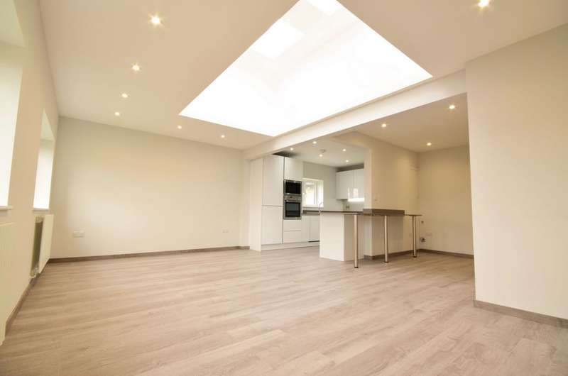 3 Bedrooms Apartment Flat for sale in Vineyard Avenue, Mill Hill, NW7