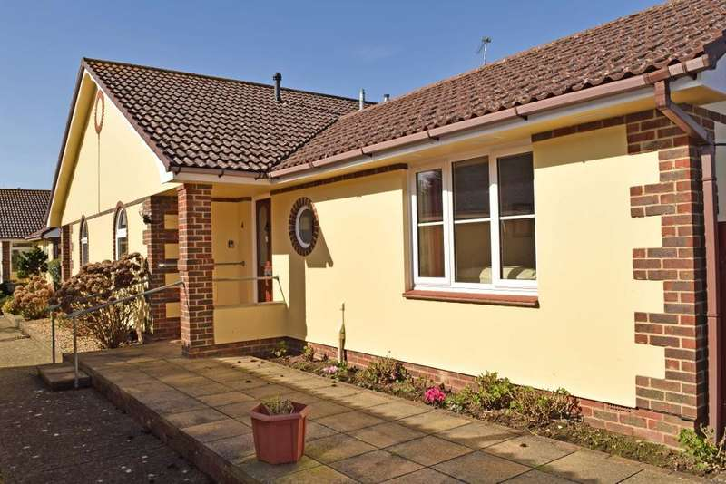 2 Bedrooms Bungalow for sale in Steyne Road, Bembridge, Isle of Wight, PO35 5TU
