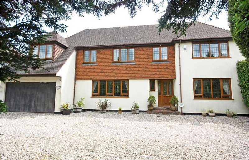 5 Bedrooms Detached House for sale in Hutton Mount, BRENTWOOD, Essex