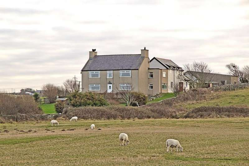 5 Bedrooms Detached House for sale in Tregof Isaf, Cemaes Bay, North Wales