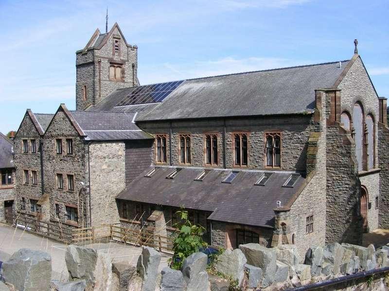 2 Bedrooms Flat for sale in Tabernacle Chapel, Bangor, North Wales