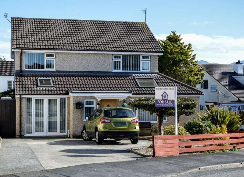 4 Bedrooms Detached House for sale in Mill Bank Estate, Llandegfan, North Wales
