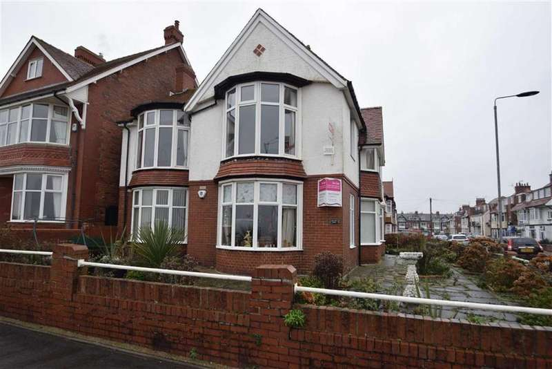 3 Bedrooms Flat for sale in Summerfield Road, Bridlington, East Yorkshire, YO15