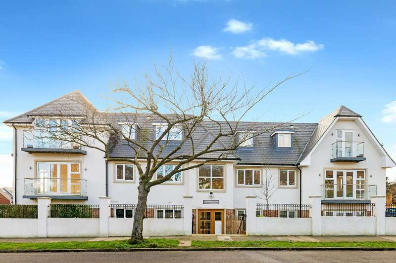 House for sale in Amberden Avenue, Finchley