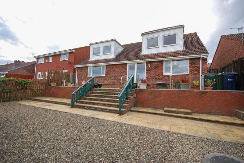 4 Bedrooms Detached House for sale in Simonside Walk, Lobley Hill