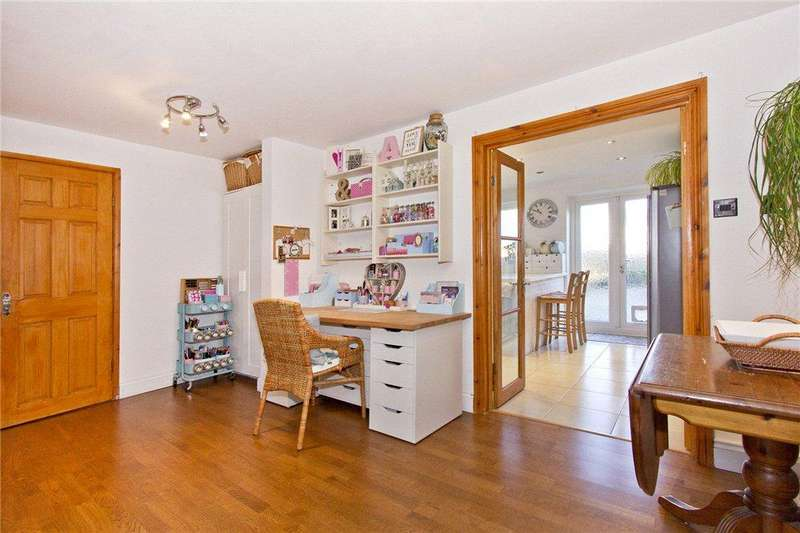 3 Bedrooms Terraced House for sale in Cedar Drive, Edenbridge, Kent
