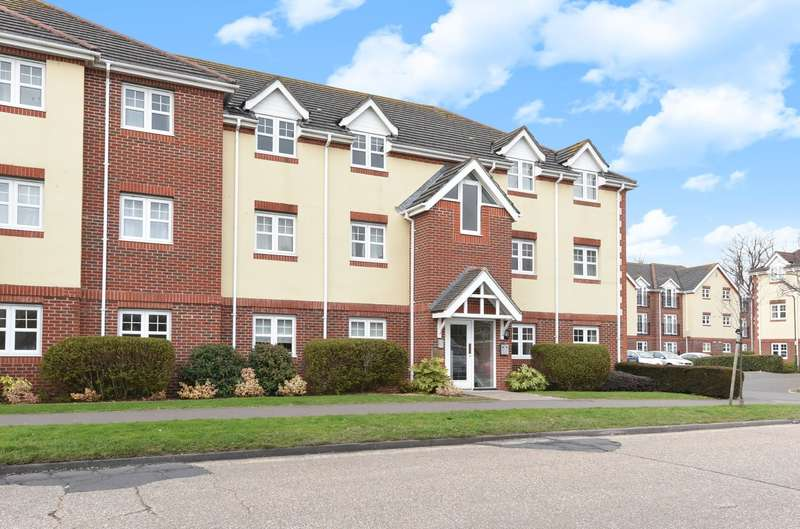 2 Bedrooms Flat for sale in Bewick Gardens, Chichester, PO19