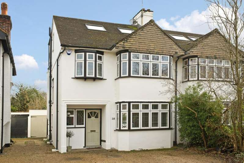 4 Bedrooms House for sale in The Woodlands, KT10