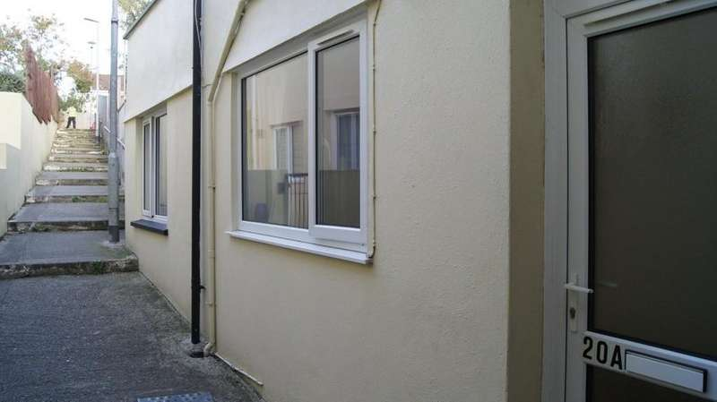 1 Bedroom Ground Flat for sale in Bere Alston