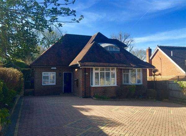 4 Bedrooms Detached House for sale in Broken Gate Lane