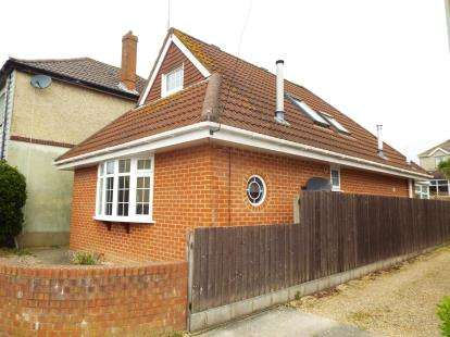 3 Bedrooms Bungalow for sale in Bournemouth, Dorset, England