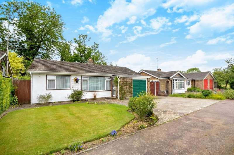 3 Bedrooms Detached Bungalow for sale in West Way, Slinfold, RH13