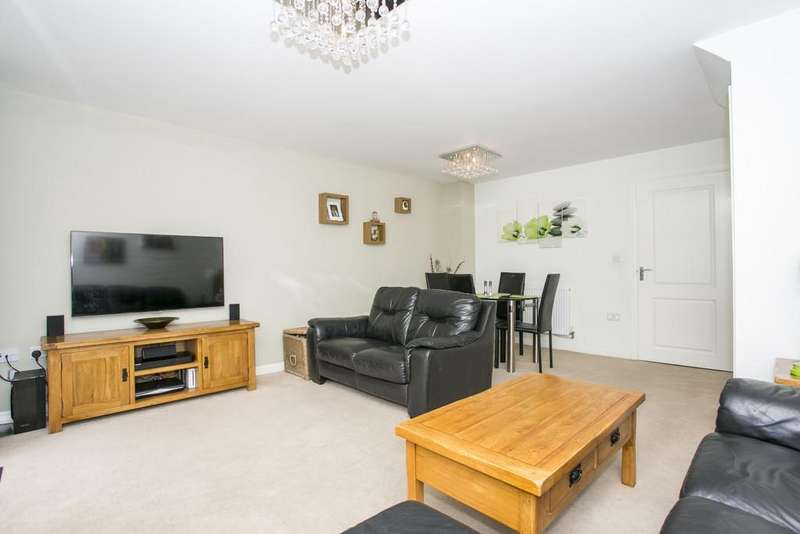 3 Bedrooms Terraced House for sale in Treetops Way, Heathfield