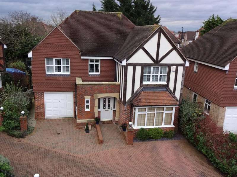 4 Bedrooms Detached House for sale in Griffins Close, Winchmore Hill, N21
