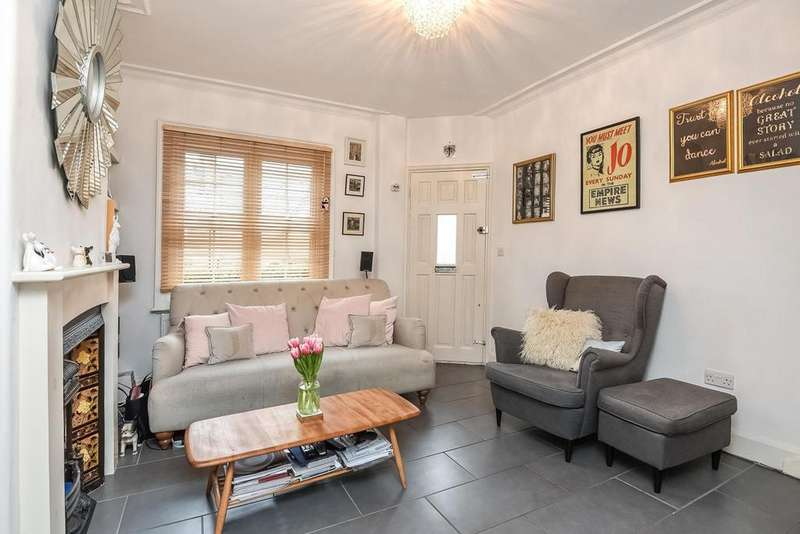 2 Bedrooms Cottage House for sale in Coteford Street, Tooting, SW17
