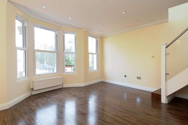 2 Bedrooms Maisonette Flat for sale in Townmead Road, Fulham, SW6