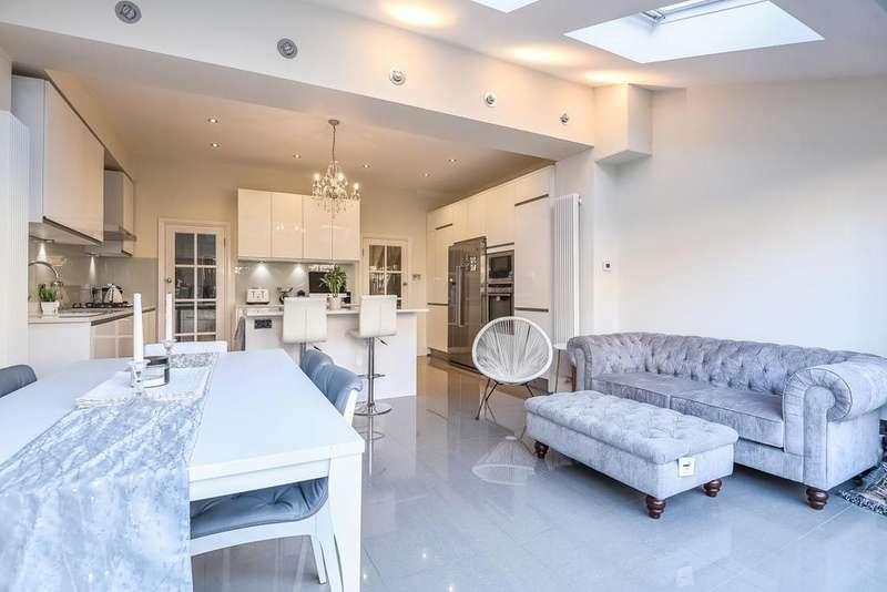 4 Bedrooms Terraced House for sale in Julien Road, Ealing, W5