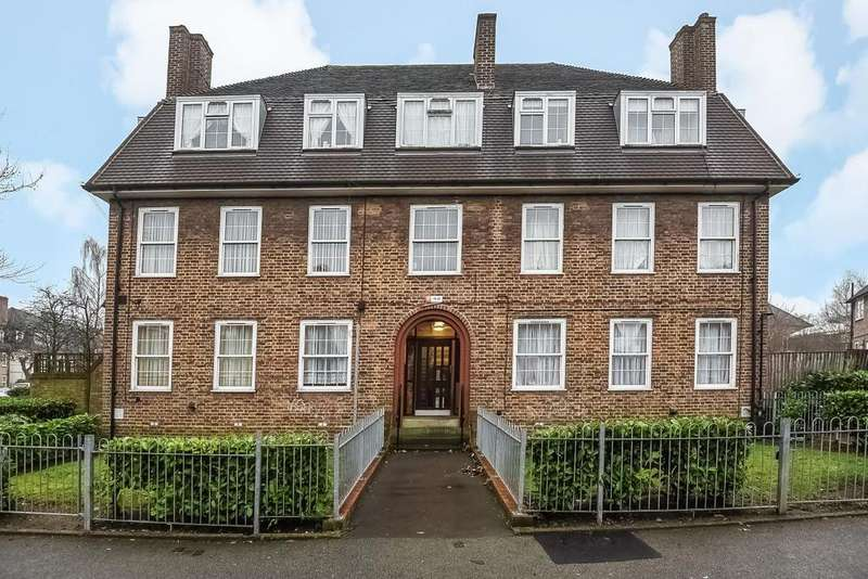 2 Bedrooms Flat for sale in Lushington Road, Catford, SE6