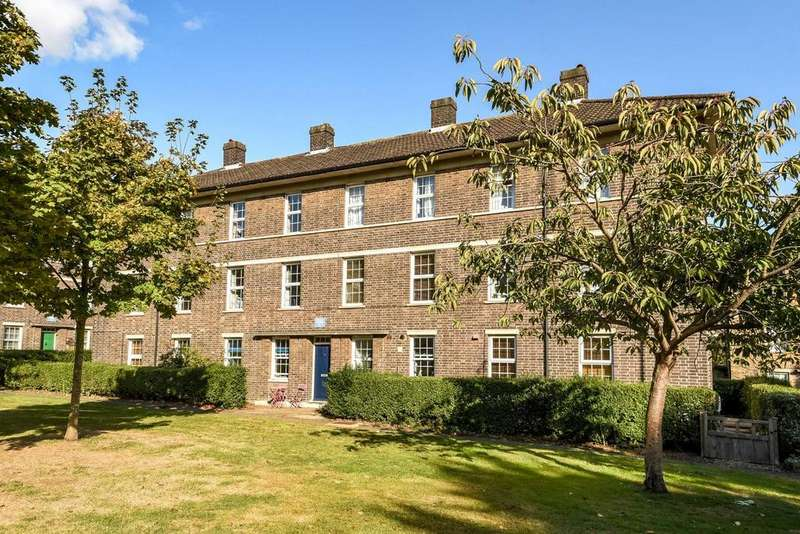 3 Bedrooms Maisonette Flat for sale in Ryculff Square, Blackheath, SE3