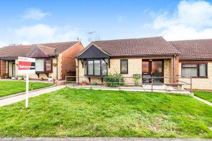 2 Bedrooms Bungalow for sale in Meadowlake Close, Lincoln, Lincolnshire, .