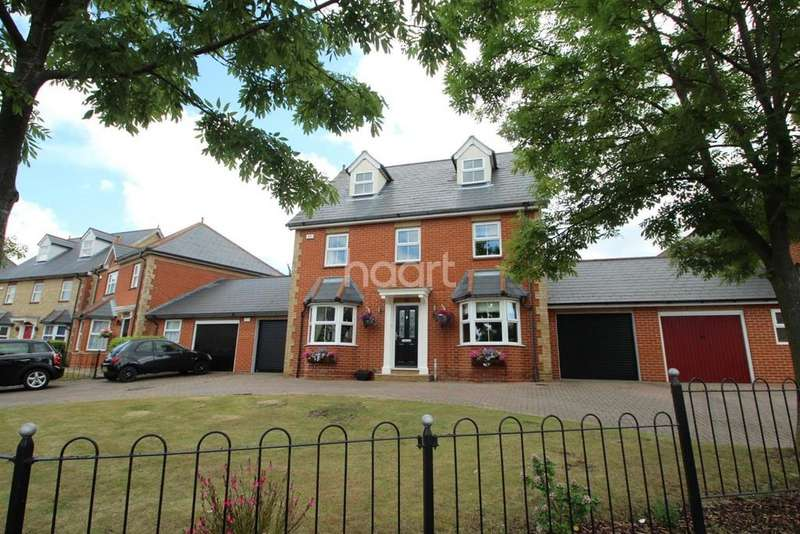 5 Bedrooms Detached House for sale in Britten Close, Langdon Hills